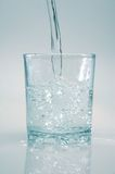 Agua potável de cristal Fotografia de Stock Royalty Free