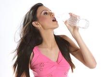 Agua potable del adolescente Imagen de archivo libre de regalías