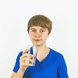 Agua potable del muchacho Fotos de archivo libres de regalías