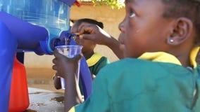 Agua purificada de consumición metrajes