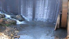 Agua que cae foto de archivo libre de regalías