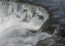 Agua que dice con excesiva efusión Imagen de archivo
