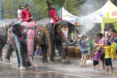 Agua que salpica festival en Tailandia Imágenes de archivo libres de regalías