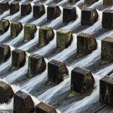 Agua que vierte abajo Foto de archivo libre de regalías