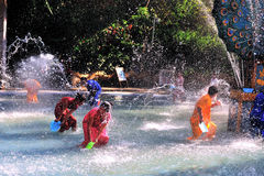 Agua-salpicar festival Foto de archivo