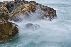 Agua suave en rocas Imagen de archivo libre de regalías