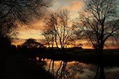 Agua y cielo ardientes Imágenes de archivo libres de regalías