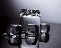 Agua y hielo Imágenes de archivo libres de regalías