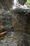 Agua y rocas imagen de archivo libre de regalías