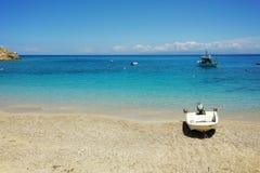 Aguas azules de Agios Nikitas Beach, Lefkada Fotos de archivo