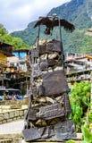 Aguas Calientes, Cusco, Peru -29 2017 Kwiecień: Kondor statua i wewnątrz Obraz Royalty Free