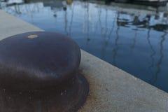 Aguas del verano en Chicago con el amarre Fotografía de archivo libre de regalías