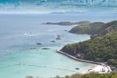 Aguas hermosas del mar Imágenes de archivo libres de regalías