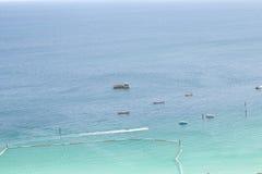 Aguas hermosas del mar imagen de archivo