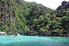 Aguas tropicales de la isla Fotos de archivo libres de regalías