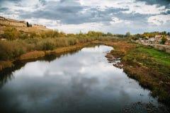 Agueda flod i Ciudad Rodrigo Royaltyfri Fotografi