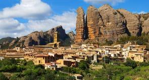 Aguero är en kommun lokaliserade 43 kilometer från Huesca. Arkivbild