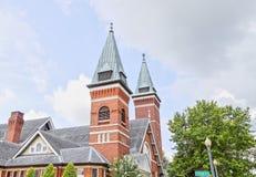 Aguja arquitectónica de la iglesia en Troy, Alabama Foto de archivo
