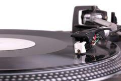 Aguja de DJ en placa giratoria de giro fotografía de archivo libre de regalías