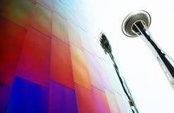 Aguja del espacio con el museo del EMP en Seattle, WA fotografía de archivo libre de regalías