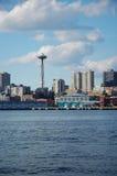 Aguja del espacio y horizonte de Seattle Fotos de archivo