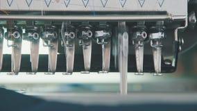 Aguja en industria textil, aguja de la máquina del bordado con el hilo metrajes
