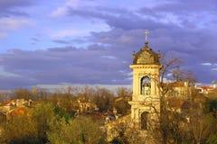 Aguja en la ciudad vieja de Plovdiv Foto de archivo libre de regalías