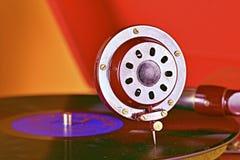 Aguja vieja del gramófono del tocadiscos en expediente primer foto de archivo libre de regalías