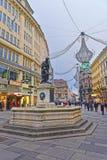 Agujeree la columna de la trinidad en la calle de Graben de Viena en Austria con C Fotos de archivo libres de regalías