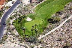 Agujero del campo de golf del desierto Fotos de archivo libres de regalías