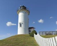 Agujero Falmouth Cape Cod mA de maderas del faro de la luz del punto de Nobska Imágenes de archivo libres de regalías