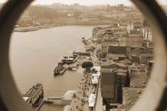 Agujero a la ciudad Fotos de archivo libres de regalías