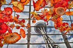 Agulha do espaço de Seattle como visto do interior do jardim de Chihuly fotografia de stock