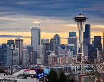 A agulha do espaço de Seattle e as construções do centro Imagem de Stock Royalty Free