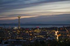 Agulha do espaço de Seattle no crepúsculo Imagens de Stock Royalty Free