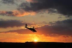 AH-64亚帕基印第安人直升机 库存照片