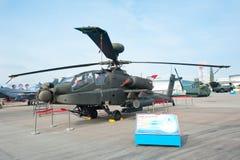 AH64D Apache på Singapore Airshow 2014 Arkivbilder
