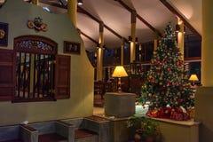 AHANGAMA,斯里兰卡- 2016年12月10日:洞察Ahangama旅馆内部  免版税库存照片