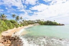 Ahangama, Sri Lanka - se reposant à la belle baie d'Ahangama photo libre de droits