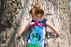 Ahhh da essere giovane! Natura d'esplorazione Fotografie Stock