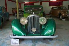 AHMEDABAD, GOUDJERATE, INDE - juin 2017, plan rapproché de l'avant de Bentley Year 1934, travail d'entraîneur - chariot d'hôpital Photo stock