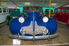 AHMEDABAD, GUJARAT, ΙΝΔΙΑ - τον Ιούνιο του 2017, κινηματογράφηση σε πρώτο πλάνο του μετώπου του έτους 1939, εργασία Buick λεωφορε Στοκ Εικόνες