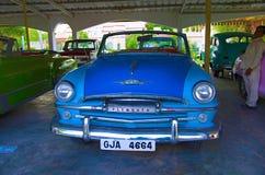 AHMEDABAD, GUJARAT INDIA, Czerwiec, - 2017, zakończenie przód Plymouth rok 1954, usa Auto światowego rocznika samochodowy muzeum, Zdjęcia Royalty Free