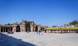 Ahmedabad India, Grudzień, - 28, 2014: Muzułmańscy ludzie przy Jama Masjid Zdjęcie Royalty Free