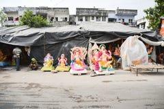Ahmedabad: Przygotowanie dla Ganesha Charturthi festiwalu Zdjęcia Royalty Free