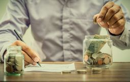 Ahorre el dinero para el retiro para el concepto del negocio de las finanzas imágenes de archivo libres de regalías