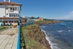 AHTOPOL, BULGARIE - 30 JUIN 2013 : Panorama de littoral de ville d'Ahtopol, Bulgarie Photos libres de droits