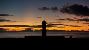Ahu Ko Te Riku moai timelapse在黄昏的,长的曝光Rapa Nui 影视素材