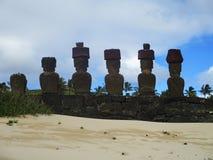 Ahu Nau Nau от заднего, остров пасхи Чили стоковые фотографии rf