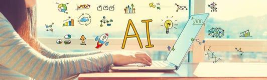 AI z kobietą pracuje na laptopie Zdjęcia Stock